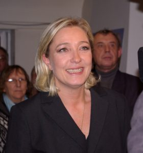"""Nichts wird uns aufhalten können"": Marine Le Pen ist sich ihrer Sache sicher. Foto: By Emmanuel d'Aubignosc (Emmanuel d'Aubignosc) [GFDL (http://www.gnu.org/copyleft/fdl.html) or CC BY 3.0 (http://creativecommons.org/licenses/by/3.0)], via Wikimedia Commons"