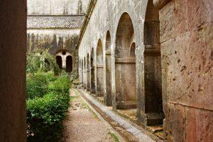 Die Abbaye du Thoronet liegt ganz in der Nähe von Le Thoronet.