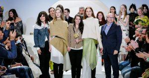 Die deutsche Designerin Annelie Schubert (mitte) ist beim 30. Festival de la Mode et de la Photographie de Hyères mit dem Grand Prix ausgezeichnet worden.