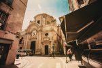 In der Altstadt von Avignon findet man viele Kirchen.