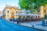 Vor allem abends platzt der Place Crillon aus allen Nähten.
