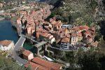 Breil-sur-Roya verfügt über eine attraktive Lage. Die Gemeinde ist nicht nur der italienischen Grenze nahe, sondern liegt auch nur circa 20 Kilometer von der Küste des Mittelmeeres entfernt.