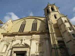 Carpentras liegt im Département Vaucluse.