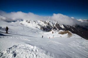 Viel Sonne, viel Schnee, viel Meer und das alles an einem Ort, wo hat man das noch? Die Region Alpes-Maritimes ist ein El Dorado für alle, die sowohl Sonne als auch Schneespaß genießen wollen.