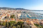 Westlich von Cannes erstreckt sich das Esterel-Gebirge.