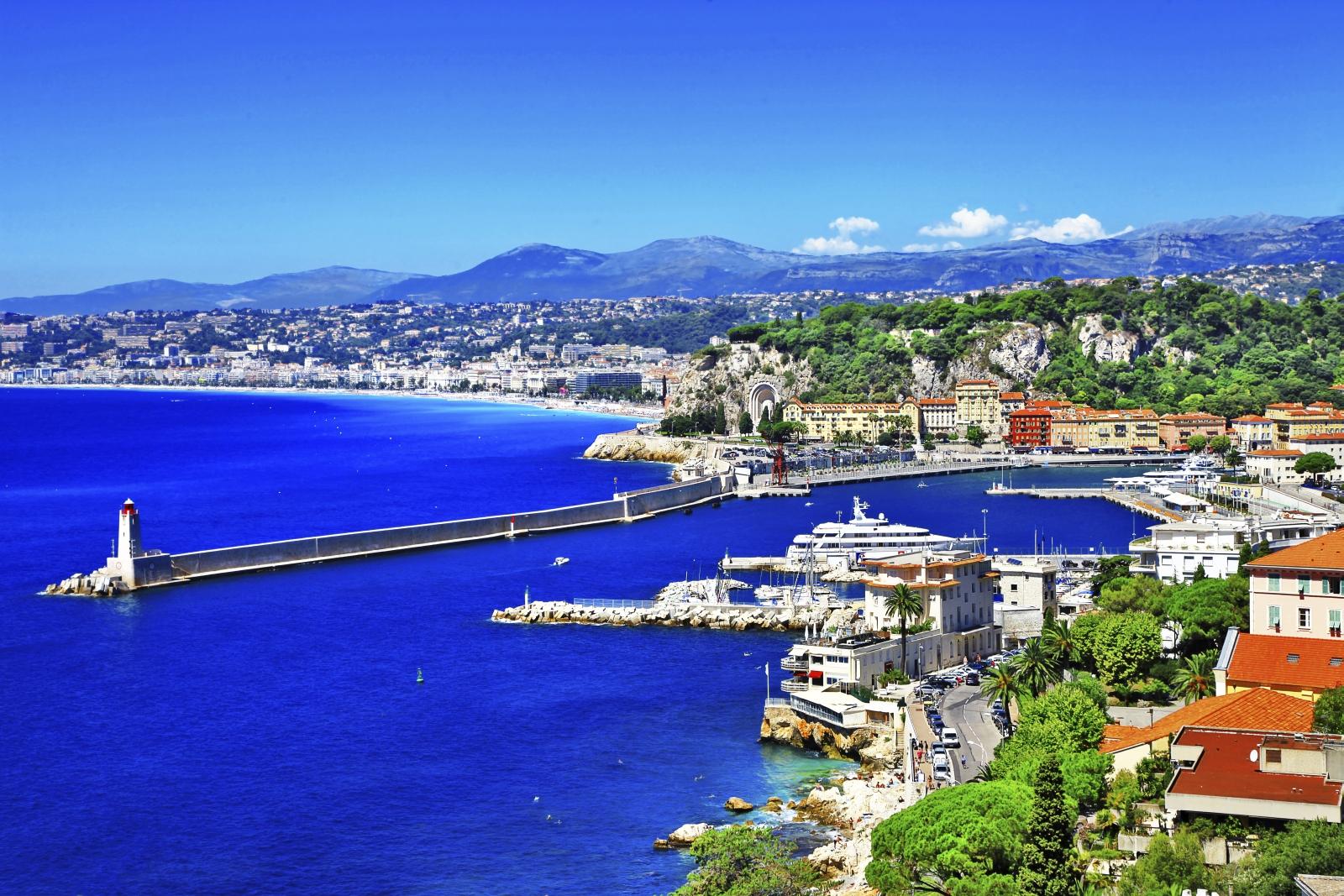 Der Tourismus an der Côte d'Azur (hier: Nizza) blieb trotz der Terror-Anschläge der vergangenen Zeit stabil.
