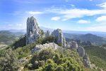 Südlich von Vaison-la-Romaine beginnt die kleine Bergkette der Dentelles de Montmirail