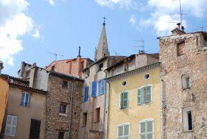 Draguignan liegt rund 50 Kilometer von Saint-Tropez entfernt.