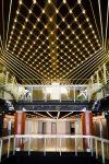 Im Inneren des 'Palais des Festivals et des Congrès' entzücken Moderne und Eleganz.