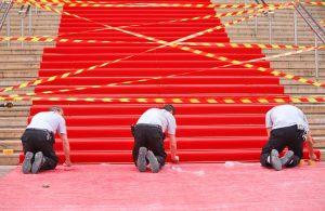 Jedes Jahr wird der rote Teppich für die Stars der Branche ausgelegt.