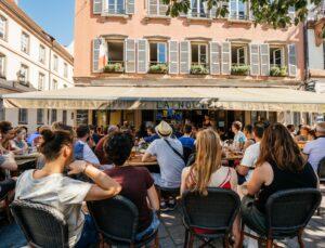 Die Fußball-Europameisterschaft sorgt für volle Cafés in ganz Frankreich.