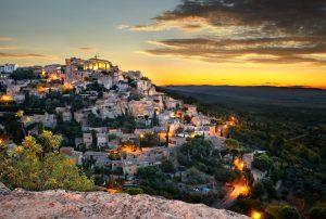 Gordes ist als eines der Plus beaux villages de France (Schönste Dörfer Frankreichs) klassifiziert.