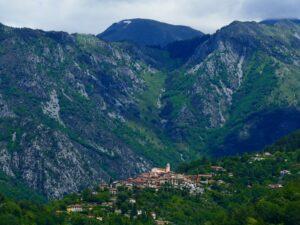 La Bollène-Vésubie liegt inmitten einer idyllischen Berglandschaft.