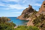 Schöne Buchten und Felsen befinden sich rund um La Ciotat.