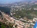 Les Pennes-Mirabeau liegt südwestlich von Aix-en-Provence und nordwestlich von Marseille.