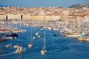Der Hafen von Marseille ist eine der Top-Attraktionen einer Kreuzfahrt in Südfrankreich.