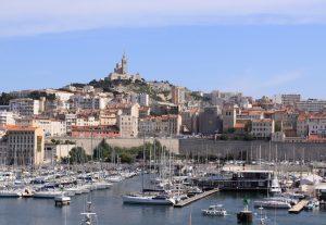 Auch die maritime Seite der Côte d'Azur ist umwerfend. Hier der Hafen von Marseille.