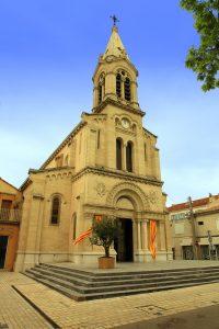 Miramas verfügt über viele altertümliche Gebäude, zu denen auch diese Kirche zählt.
