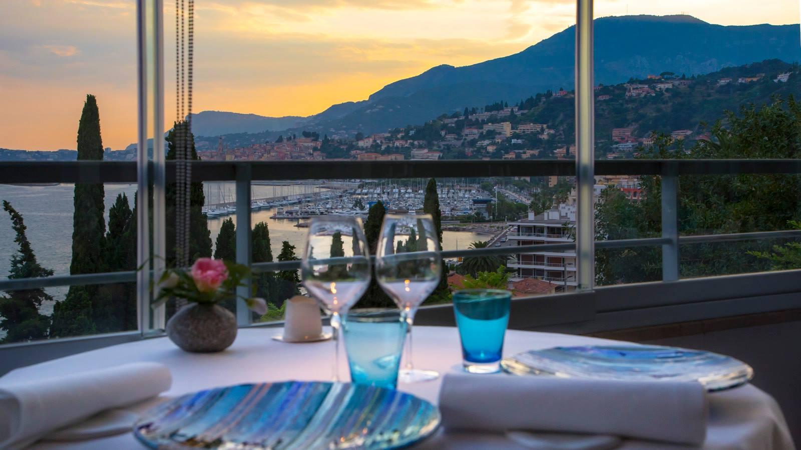 Sie möchten das 10-jährige Jubiläum gemeinsam mit dem Restaurant Mirazur feiern? Das wäre Ihr Ausblick. Foto: Mirazur, Menton