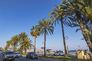 Nizza ist eine Hafenstadt im Südosten Frankreichs.
