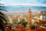 Nizza ist eine Hafenstadt in der Provence, 30 Kilometer entfernt von der Grenze zu Italien.