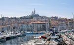 Vom alten Hafen aus ist die Notre-Dame de la Garde gut zu sehen.