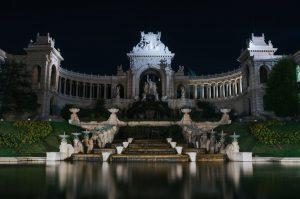 Das Palais Longchamp ist ein Mitte des 19. Jahrhundert errichtetes Bauwerk in Marseille.