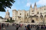 Nach Papst Clemens V. residierten sechs weitere Päpste und fünf Gegenpäpste im Papstpalast in Avignon.