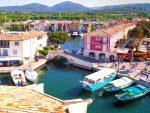Port Grimaud ist eine vom Architekten François Spoerry gegründete Tourismussiedlung.