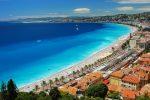 Die anliegende Strandpromenade der Promenade des Anglais in Nizza ist ein wahrer Touristenmagnet.