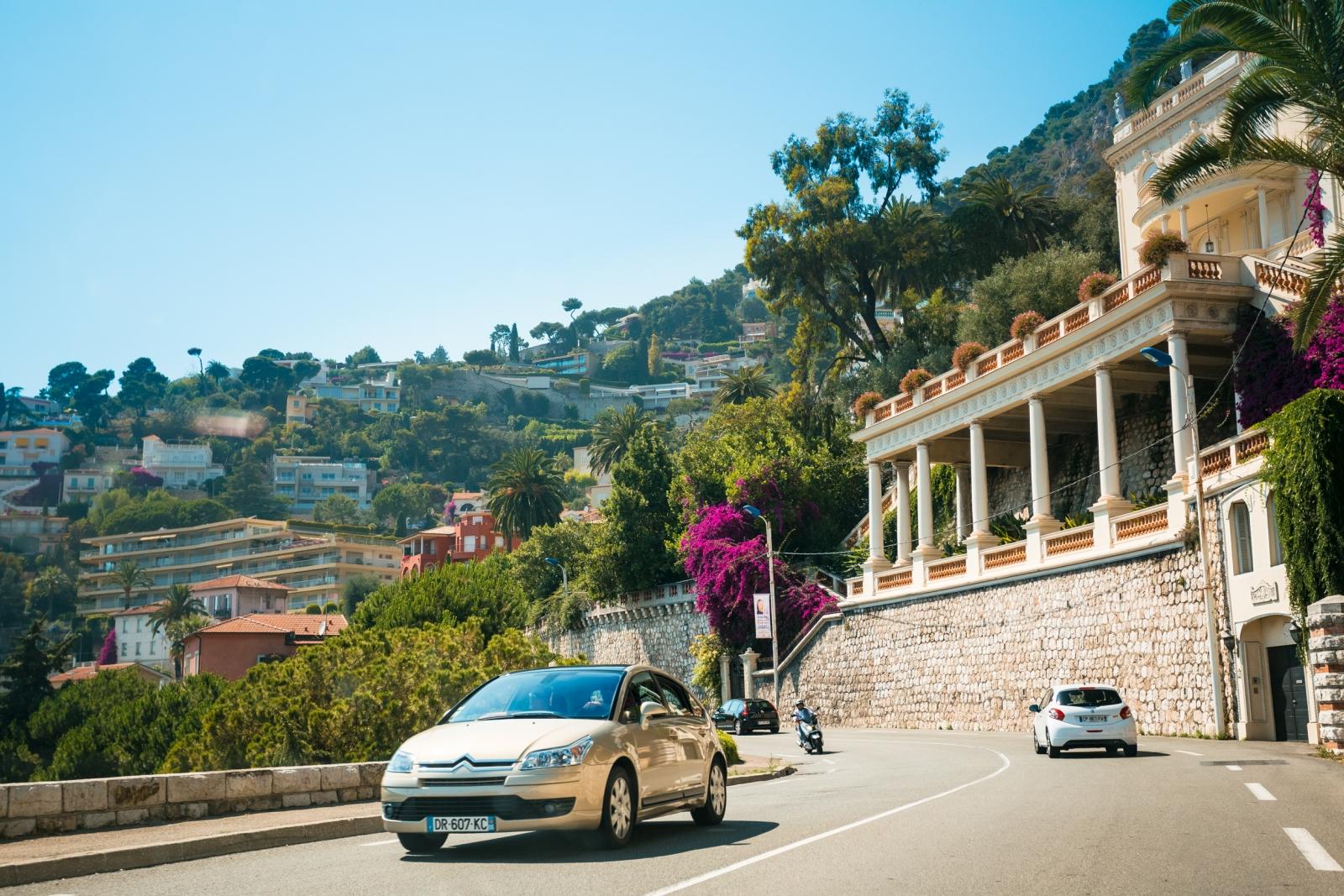 Erkunden Sie die Provence und die Côte d'Azur per Auto: Einfach Mietwagen buchen und los geht's.