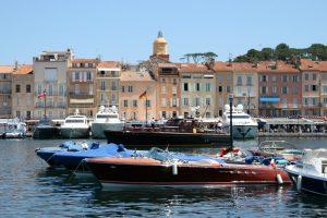 Die französische Gemeinde an der Côte d'Azur ist bekannt für seinen Yachthafen.