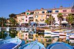 Sanary liegt an der südfranzösischen Mittelmeerküste unweit von Toulon und Bandol entfernt.
