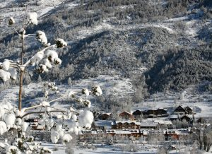 Idyllische Dörfer reihen sich im Tal des Serre Chevalier aneinander.