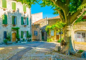 Vaison-la-Romaine liegt an den Ufern der Ouvèze.