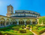 Die Notre-Dame de Nazareth steht auf den Fundamenten eines antiken Tempels,